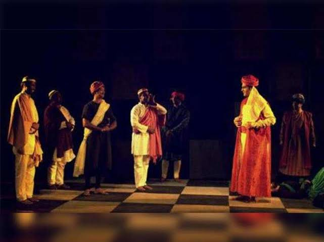 Minor Characters of Tughlaq by Girish Karnad